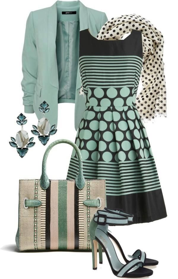 I don't wear many dresses, but if I could find a top with this color combo and similar pattern I would totally rock this.