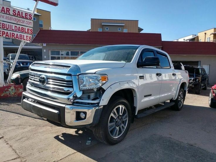 2017 Toyota Tundra Sr5 4x4 4dr Crewmax Cab Pickup Sb 5 7l V8 Ffv 2017 Toyota Tundra White With 21103 Miles Available Toyota Tundra Toyota Tundra Sr5 Toyota