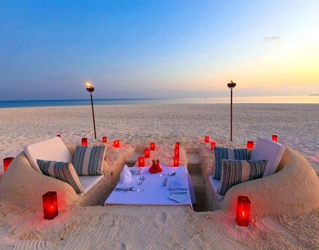 Sand furniture. Perfect setup for a romantic beach picnic. Featured at BBL: http://beachblissliving.com/amazing-sand-castles-funny-sand-sculptures/: