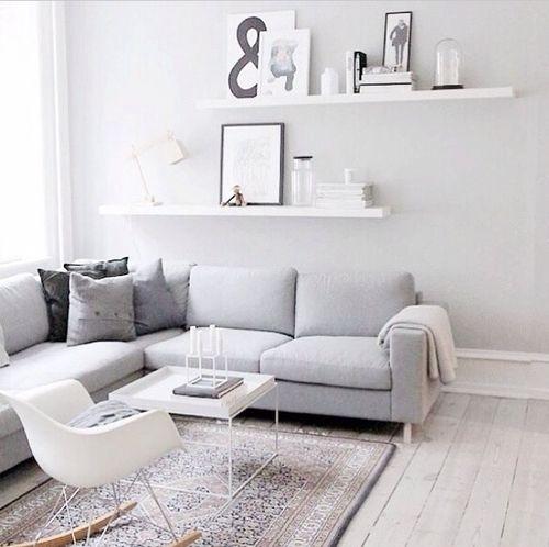 Lichte houten vloer in een rustig interieur