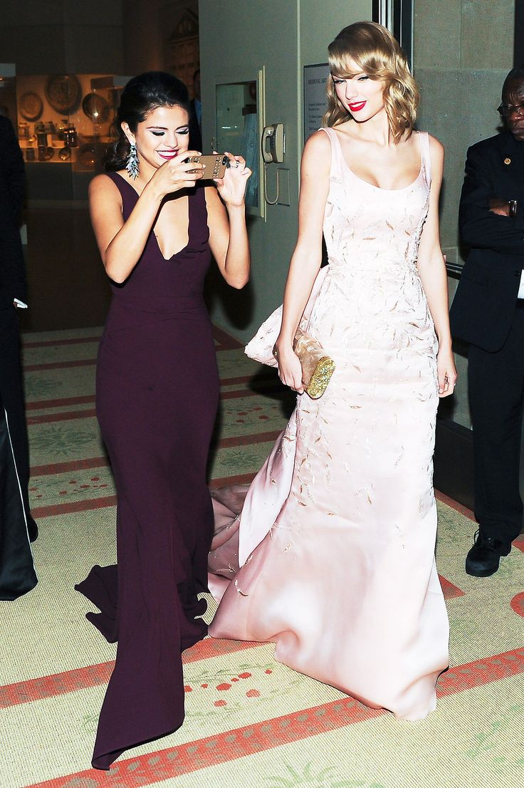 "selenathrowback: ""May 5, 2014: Selena inside the ""Charles James Beyond Fashion"" Costume Institute Gala. """