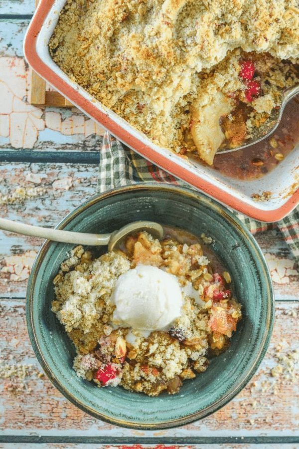 It's hard to beat a good crumble, and this Cranberry Apple Pear Vegan Crumble is really something special! We're talking tart cranberries, Granny Smith apples and sweet, soft pear, topped with a crumbly, nutty, buttery topping, all baked to golden perfection. It's an absolute crowd pleaser & so easy to make! #crumble #crisp #vegan #vegancrumble #vegancrisp #applecrumble #pearcrumble via @avirtualvegan