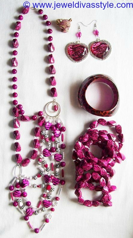 JDS - JEWEL DIVAS PINK ANIMAL HEART JEWELLERY SET - http://jeweldivasstyle.com/how-to-make-pink-animal-bead-bracelets/