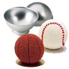 If you have a sports fan in the house this cake pan is a great addition to the family. Create basketball, baseball, or soccer ball shaped cakes with ease.