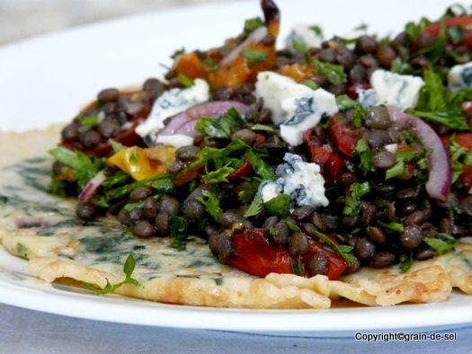 Puy-Linsen mit Tomaten und Gorgonzola auf Dinkel-Mangold-Pfannkuchen   ++