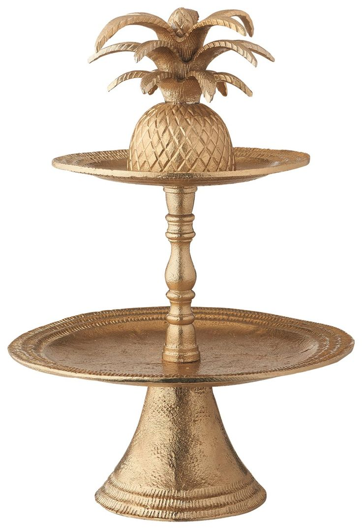If you're having wedding cupcakes, you need to consider this amazing pineapple wedding cake stand from Marks and Spencer – it's the perfect way to display your sweet treats!