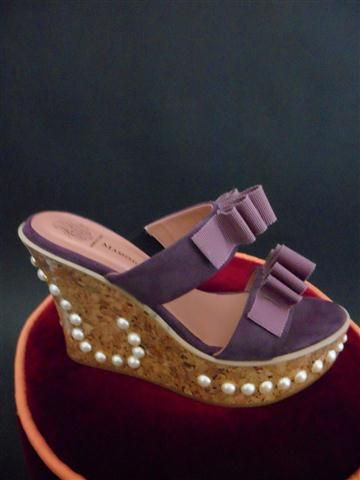 CORK WEDGE WITH PEARLS AND MOKUBA RIBBON