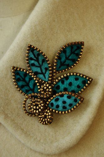 Turquoise felt & zipper jewelry pin brooch - inspiration.
