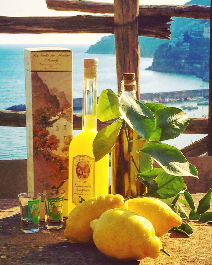 Poco o nulla importa quanto riusciamo ad ottenere o fare solo per noi stessi, più emozionante è trasmettere qualcosa agli altri!!! Good Morning from Amalfi  ☀️