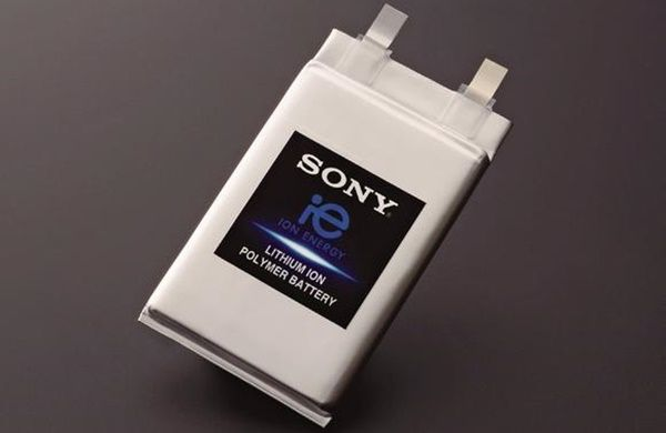 Sony kükürt bazlı olan yeni pil teknolojisi ile akıllı cep telefonlarının pil kapasitesi yüzde 40 artacak. Akıllı cep telefonlarının kullanımı günümüzde son derece yaygın olsa da şüphesiz ki tüm kullanıcıların ortak sorunu pil ömrü. Birçok akıllı cep telefonu üreticisi bu hususta çözüm bulmaya çalışıyor olsa da elbette bu durum kullanıcıları tam anlamı ile tatmin etmiyor. …