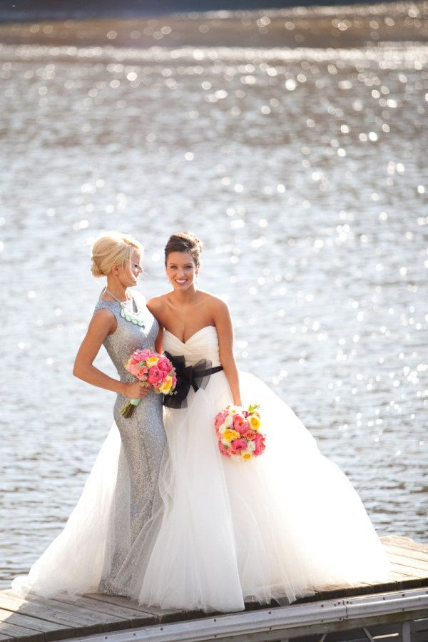 bride & bestfriend! I love this! Pretty lake background