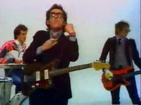 Elvis Costello- (I Don't Want To Go To) Chelsea  Video
