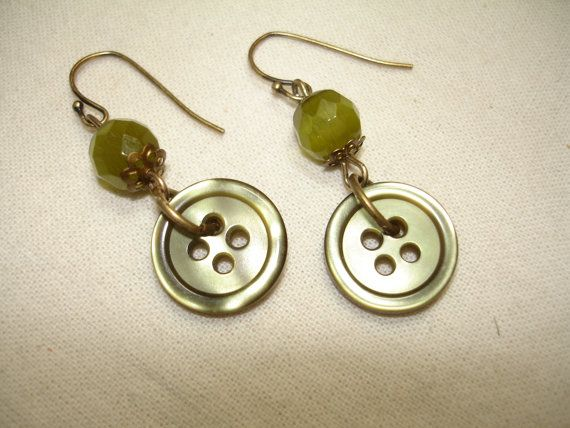 Button earrings. Great idea to recycle old buttons and old jewelry parts.