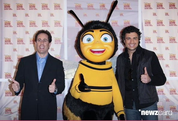 Jerry Seinfeld, Barry B. Benson and Jaime Camil attends the 'Bee Movie' photocall at the Restaurante del Lago on November 13, 2007 in Mexico City, Mexico.  (Photo by Victor Chavez/WireImage)