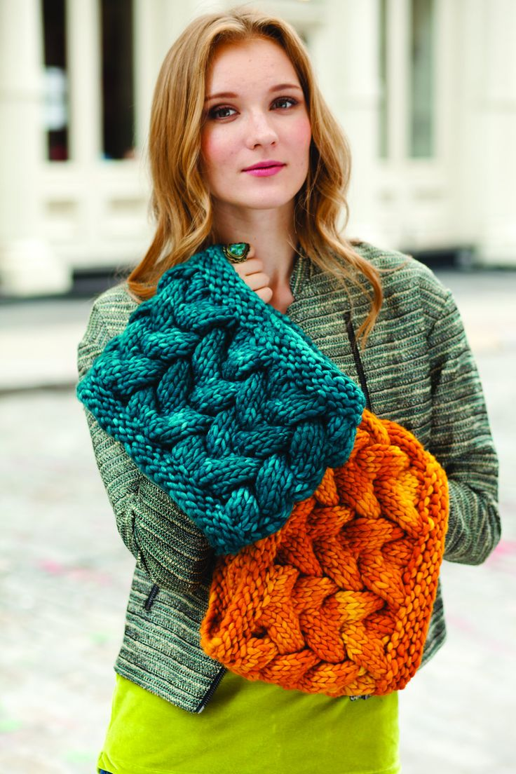 Braided Cable Cowl Free Knitting Pattern