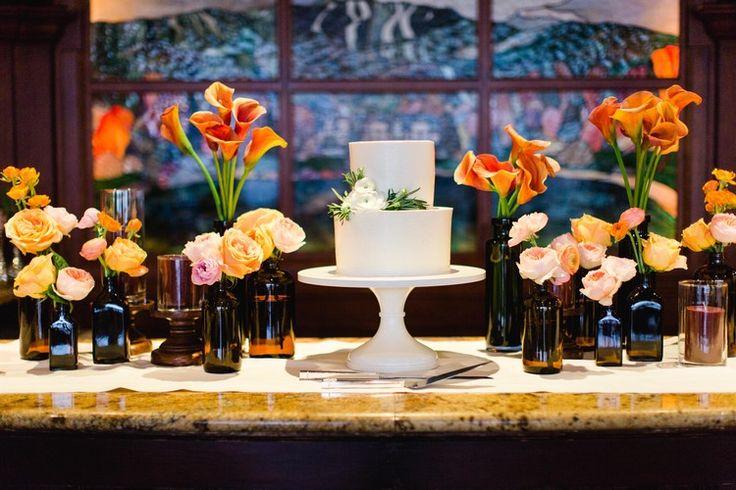 Tuscan in Tremblant — Full Bloom - cake - bud vases - brown bottles - garden rose
