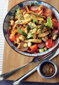 Salade met kip en cashewnoten