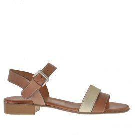 Sandale pour femmes avec courroie en cuir brun clair et platine talon 2