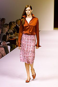 Max Mara Spring 2000 Ready-to-Wear Collection Slideshow on Style.com
