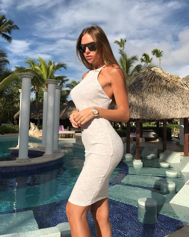 Anastasia Skyline (@anastasia_skyline)  「Чем безупречнее снаружи, тем больше демонов внутри. Фрейд _ _ _ _ _ #babe #bikini #girlswithtattoos…」
