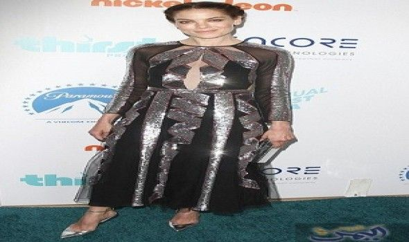 ميشيل موناغان تفض ل الأسود والفضي في أحدث إطلالة Nice Dresses Dresses With Sleeves Victorian Dress