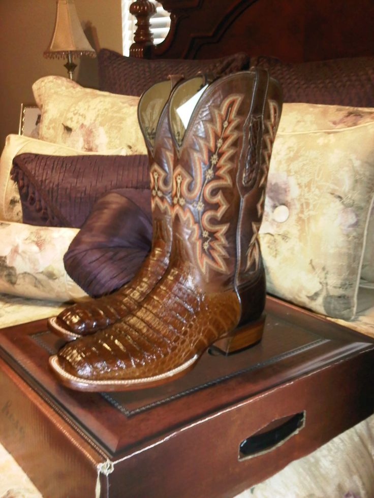 Lucchese - Soo classy!!!