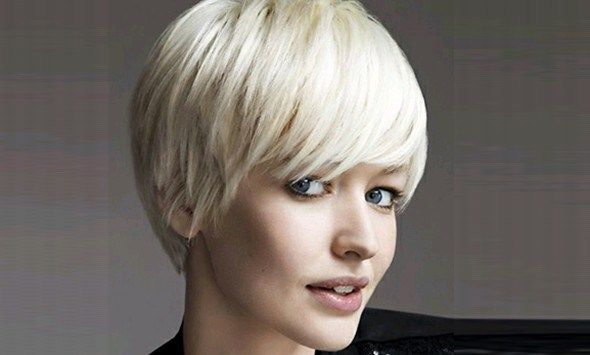 Y seguimos...esta es una buena opción para dejarse crecer el cabello poco a poco, aunque el color es fabuloso, no a todas nos resulta favorecedor, si te atreves...