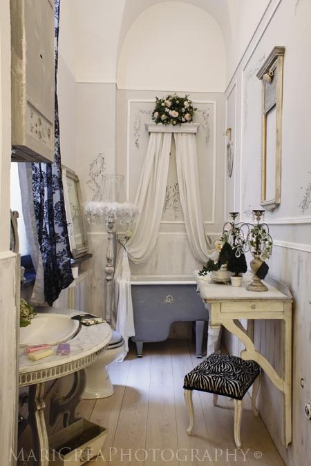 48 Best Images About Paris Decor Bathroom Ideas On Pinterest Pink Bathrooms Paris Themed