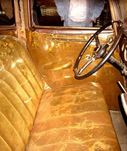 bonnie and clyde death photos | Bonnie and Clyde 1934 Ford Fordor Deluxe Sedan 'The Death Car' 167 ...