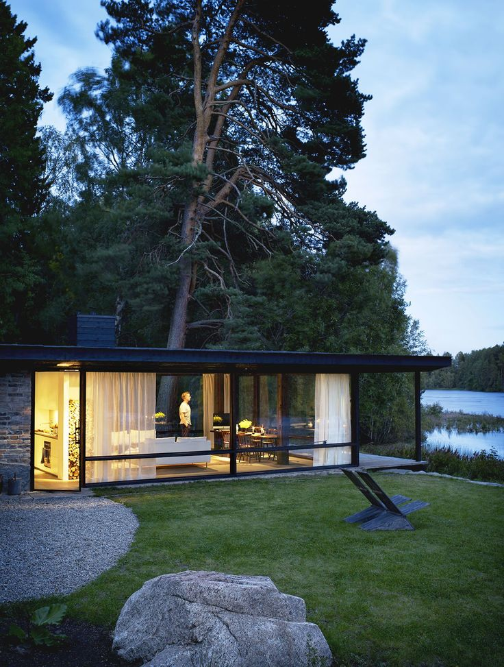 Architect Buster Delin's self-designed, ultra-modern cottage is a distillation of childhood holidays on the family estate of Lundnäs. Photo by Patric Johansson, Styling by Myrica Bergqvist, Courtesy of My Residence Magazine and Aller Media.