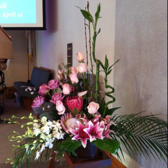 Flower Arrangements For Church Sanctuary: 106 Best Floral Design Church Images On Pinterest