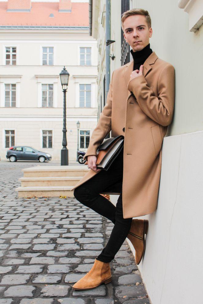 https://balazszsalek.com/2017/11/27/black-turtleneck-and-camel-coat/