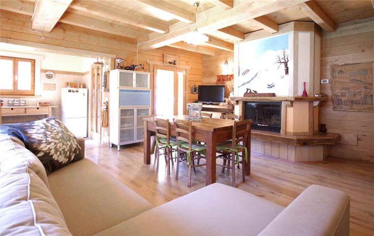 Essere in Montagna  Chalet in legno nuovo particolare della zona giorno
