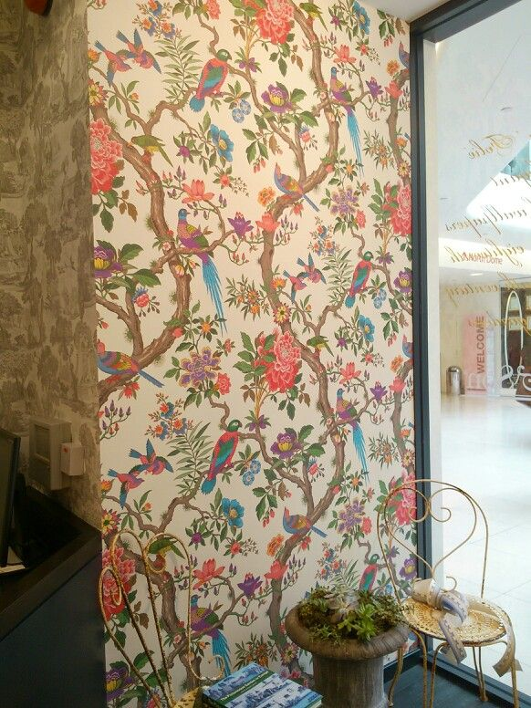Fab new wallpaper from Folie collection at Cole and Son