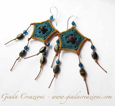 Interesting crochet accessories in Italian