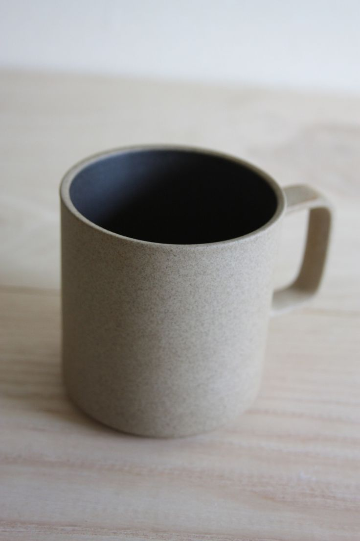 Hasami mug in Natural with a contrasting black interior.  Simplistic, timeless design.    Made in Japan.