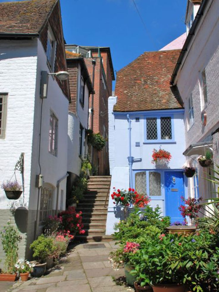 The Laindons, East Sussex: Make haste to Hastings