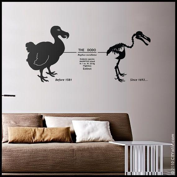 DIERLIJKE muur sticker: Dodo wand decor, Mauritius uitgestorven vogel met datums en skelet sticker