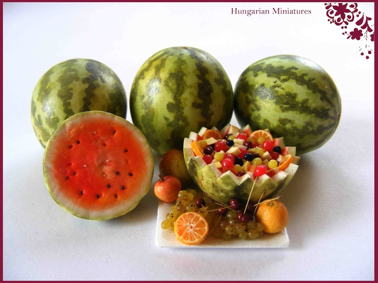 Fruit Salad, yummy yummy! The detail on the fruits are stunning. Hungarian Miniatures are one of my inspiring artists! :)