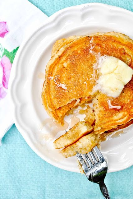 Perfect Fluffy Buttermilk Pancakes   Neighborfood.