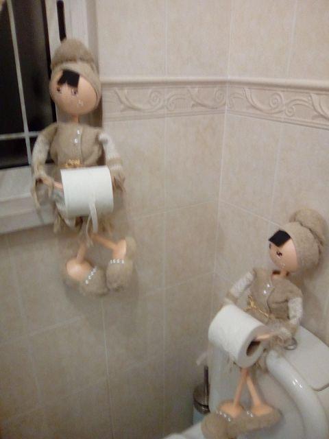 O Estaminé da Xé: Boneca porta rolo papel higienico em beje