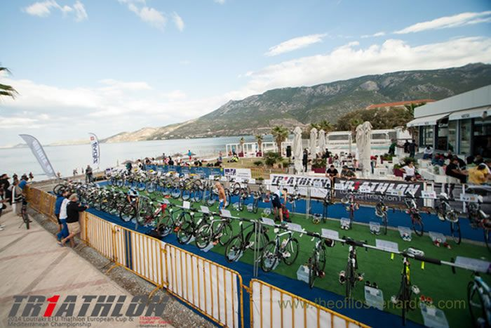 The race started in the area between Club Hotel Loutraki and cafe Waves in Loutraki