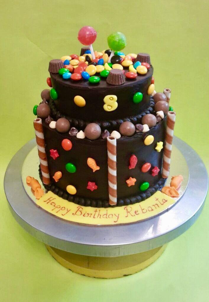 A dandy Chocolate Candy Cake #chocolatecake #candy # thebakersfactoryin