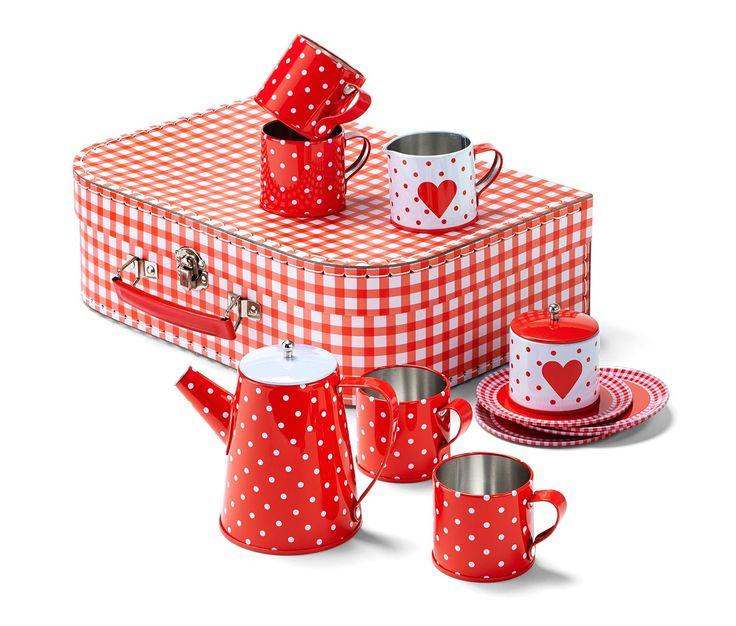 14,99 € S mliekom alebo cukrom? Táto milá súprava riadu obsahuje všetko, čo deti potrebujú na štýlové servírovanie čaju v úzkom kruhu: kanvičku na kávu s vekom, kanvičku na mlieko, cukorničku s vekom, štyri šálky a štyri tanieriky.