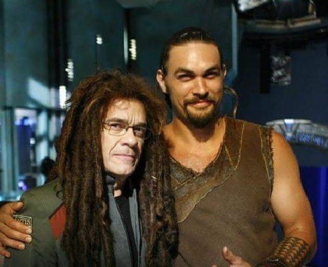The existence of this picture is pretty much the ONLY good thing about that horrid wig they made him wear 5th season, lol. Robert Picardo & Jason Momoa #stargateatlantis