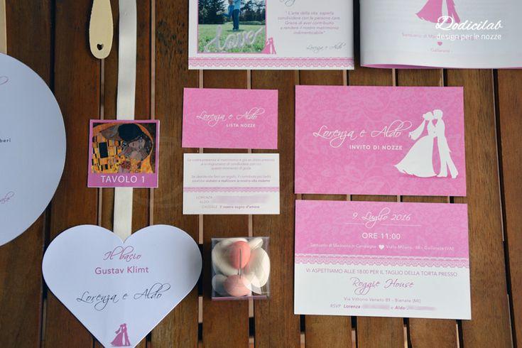 Dettaglio wedding stationery personalizzata tema bacio rosa