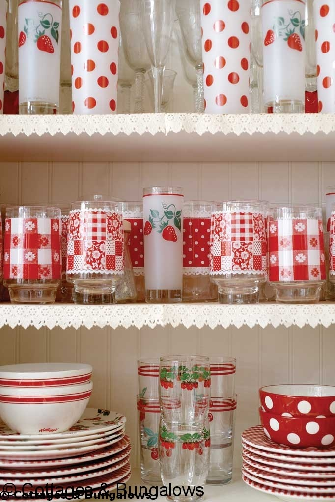 17 best images about red and white on pinterest white for Retro kitchen designs rustenburg