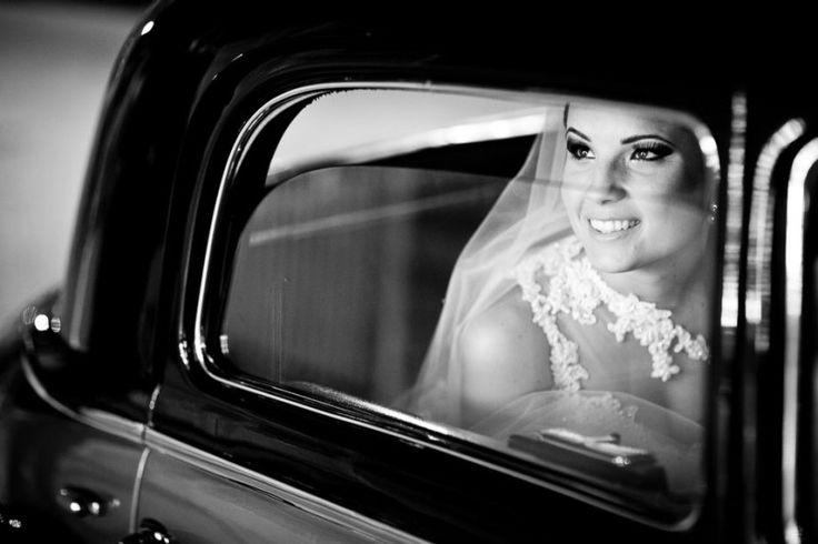 Noiva linda Noiva | Vestido de Noiva | Wedding Dress | Noiva Clássica | White Dress | Bride | Wedding | Casamento Clássico | Casamento | Inesquecível Casamento