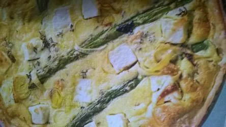 crostata salata agli asparagi