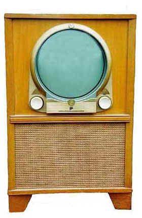 Zenith, 1950  We didn't get a TV until about 1952.  My grandchildren can't believe it!